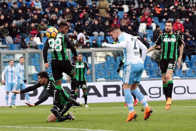 Lazio's Sergej Milinkovic-Savic scores the goal (0-3) during the Italian Serie A soccer match US Sassuolo vs SS Lazio at Mapei Stadium in Reggio Emilia, Italy, 25 February 2018. ANSA/ELISABETTA BARACCHI